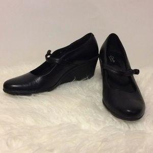 Clarks Black Leather Mary Janes Sz 8M